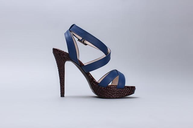 Vyberte si elegantní dámské boty