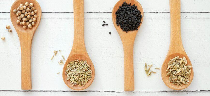 Herbs Spices Wooden Spoons  - matthewsjackie / Pixabay